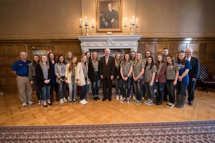 volleyball team with governor